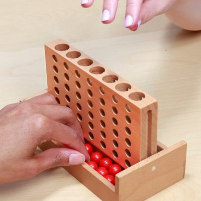 4 v řadě - strategická hra