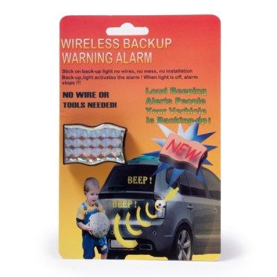 Autoalarm-výstraha při couvání